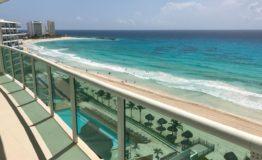 Depto- Bay View Grand Portofino Cancun-venta - Vista mar desde balcon