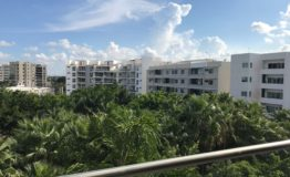Depto- Bangalu Palmaris Cancun-Venta- Vista exterior edificios