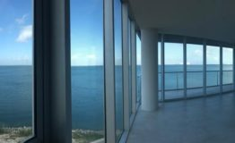 Depto-Torre Dorada-Renta-Vista mar de desde interior