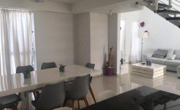 Departamento en venta Tziara Cancun sala comedor