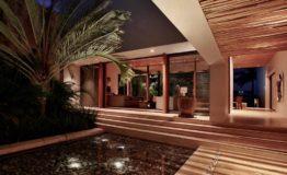 Casa-en-venta-puerto-cancun-de-lujo-luxury-home-house-for-sale-entrance-night