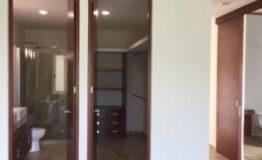 Departamento en venta Xiknal lagos del sol baño y pasillo